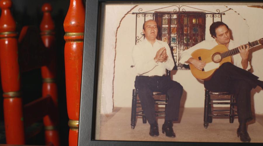 Chiquito de la Calzada en sus épocas de cantaor en los tablaos de la Costa del Sol