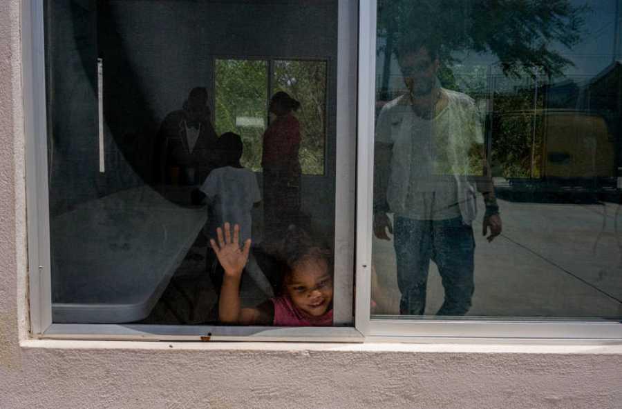 Niños migrantes en el refugio