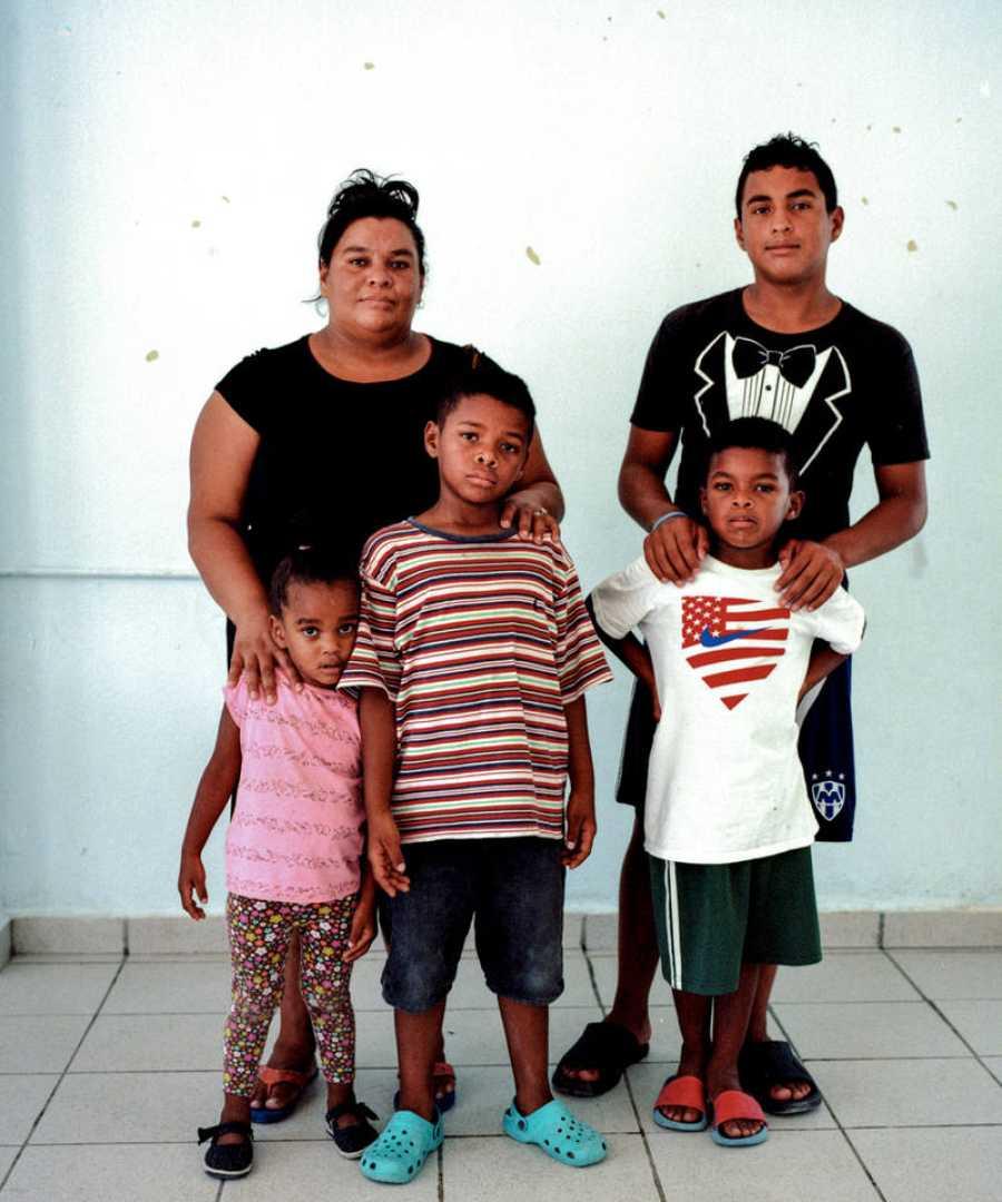 Piedad y su familia fotografiados en Reynosa, México