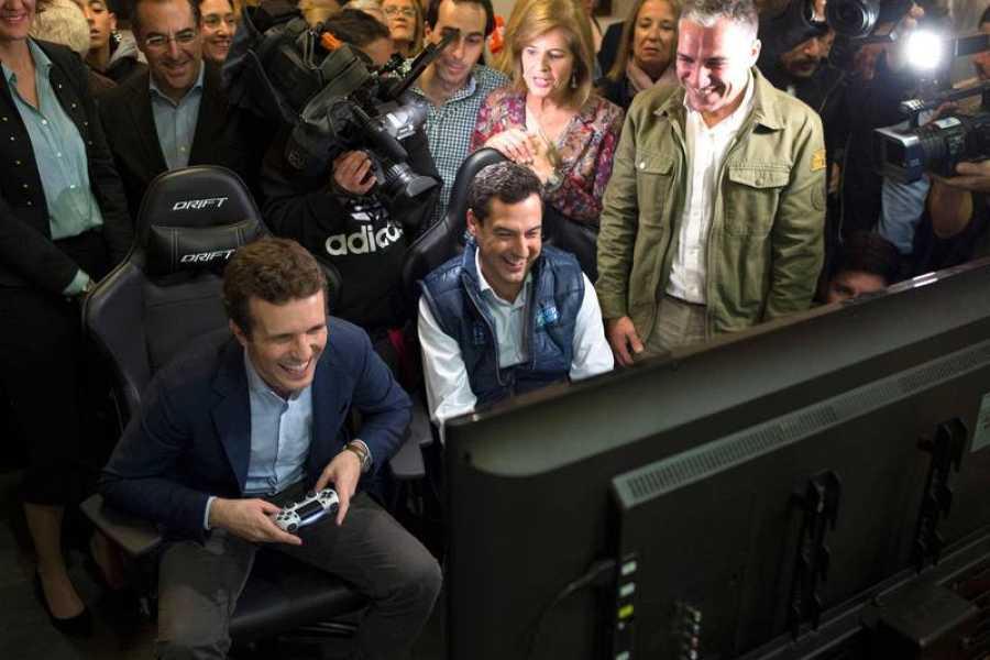 Casado y Moreno juegan a los videojuegos en Málaga