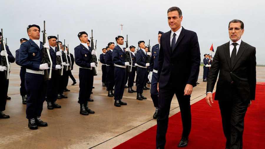 Pedro Sánchez es recibido en Rabat por el primer ministro marroquí Saadedín Al Othmani
