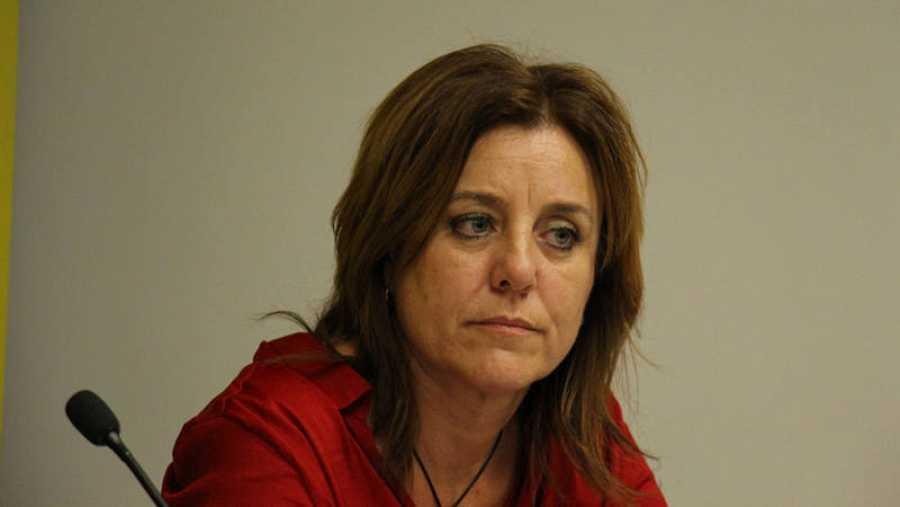 Mónica Méndez, cuya hija se suicidó tras sufrir ciberacoso sexual, denuncia la desprotección ante la justicia de las víctimas junto a Amnistiá Internacional