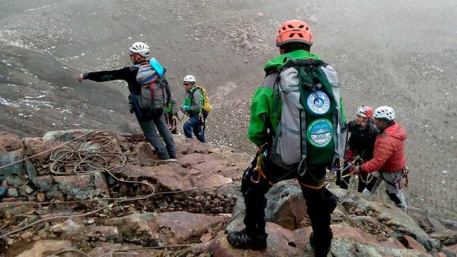 Equipo de rescate de los montañeros españoles desaparecidos en Perú