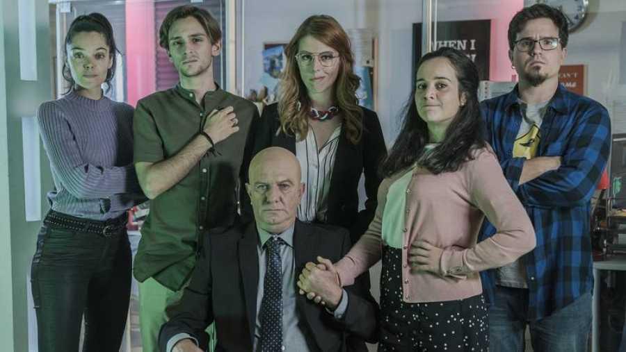Paco Churruca, Silvia Vacas, Javier Zapater, Ángela Chica, Ana Rujas y Guillermo Campra parodian
