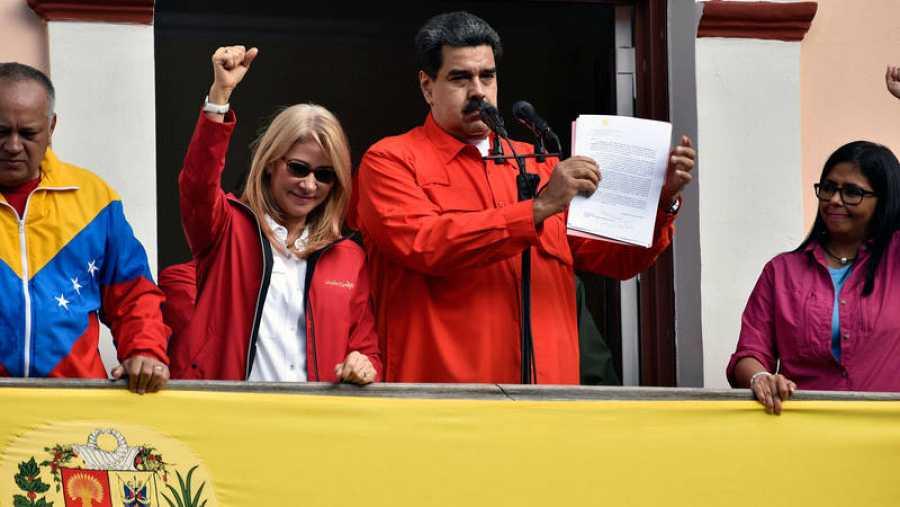 El presidente de Venezuela, Nicolás Maduro, se dirige al pueblo venezolano desde el palacio presidencial de Miraflores.