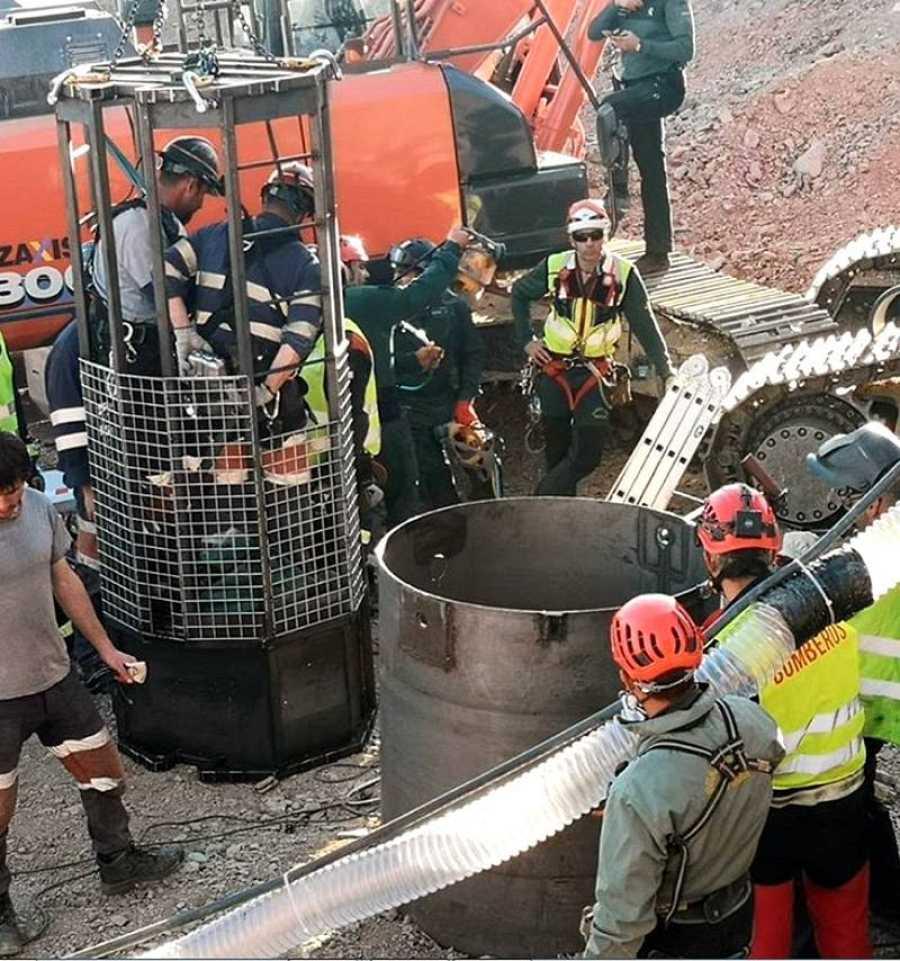 Los mineros inician sus trabajos para rescatar a Julen en Totalán (Málaga)