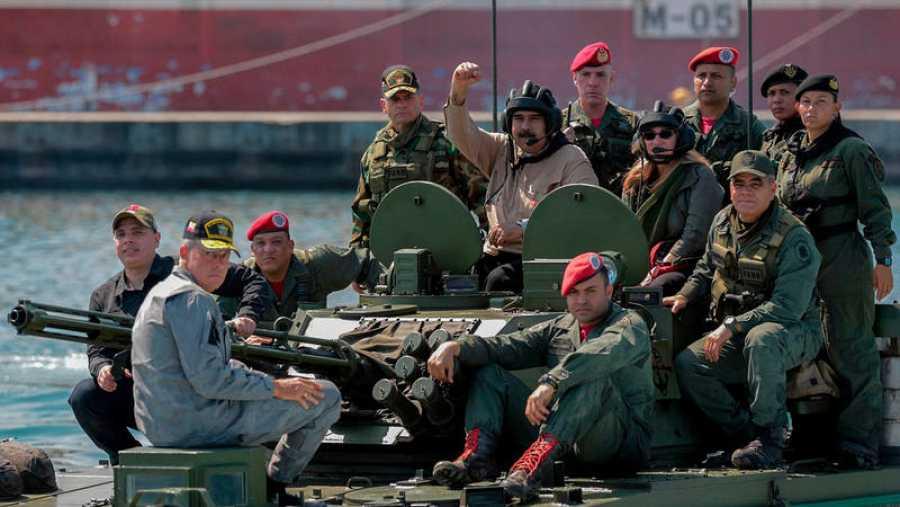 El presidente de Venezuela, Nicolás Maduro, participa en unas maniobras militares en Puerto Cabello, estado de Carabobo, Venezuela. Foto: Presidencia de Venezuela, AFP