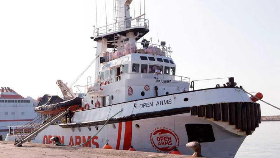 Presentación del barco de rescate humanitario