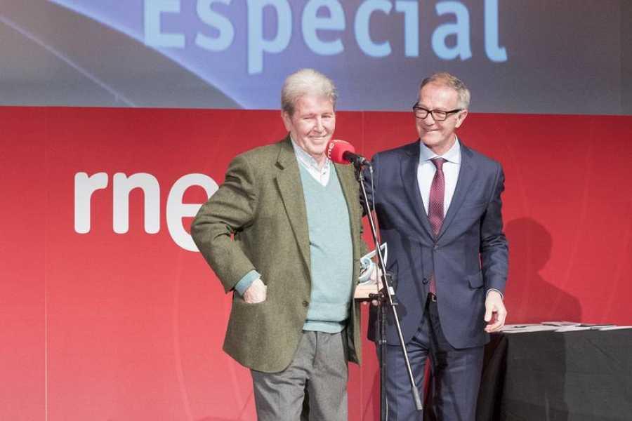 Jorge Herralde recibió el Premio Especial de manos del ministro de Cultura