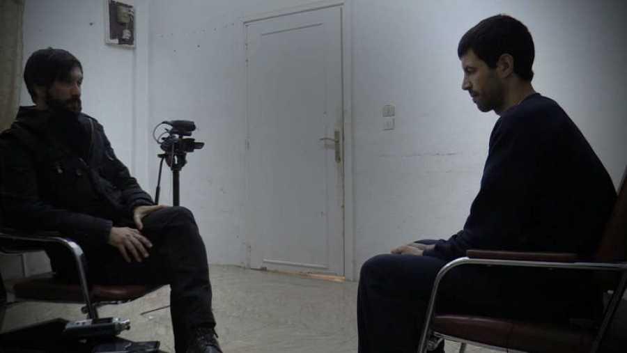Un momento de la entrevista en Siria al excombatiente del Daesh Hisham al Arabi Maluk