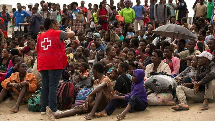 Los organismos de ayuda humanitaria tratan de encontrar a los niños perdidos