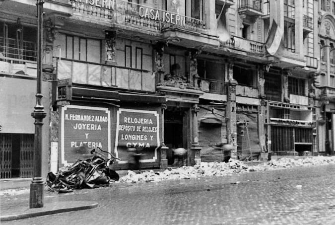 Bombardeo en la Gran Vía de Madrid en 1937