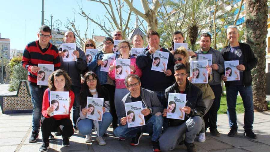 Personas con discapacidad intelectual reivindican el derecho al voto de todo su colectivo en la campaña