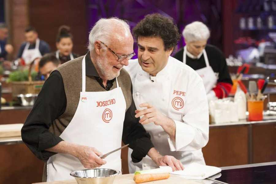 Pepe y Josecho, en un momento del cocinado