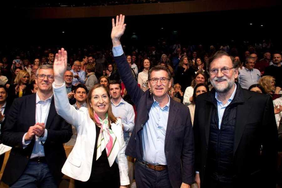 Mariano Rajoy, junto a Ana Pastor y Alberto Núñez Feijóo, en un mitin en Pontevedra