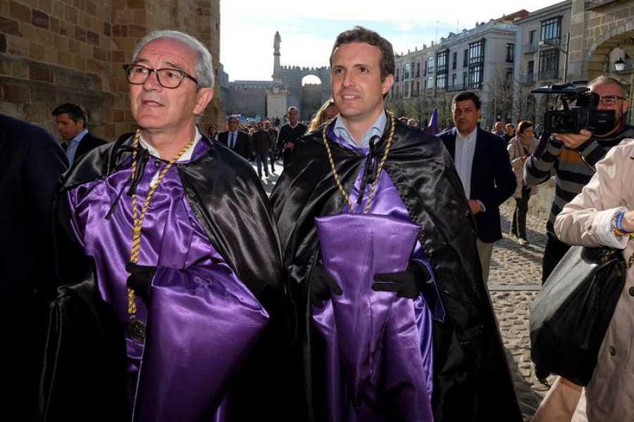 Pablo Casado, de procesión en Ávila
