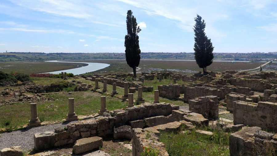 Vista general de la ciudad romana de Lixus
