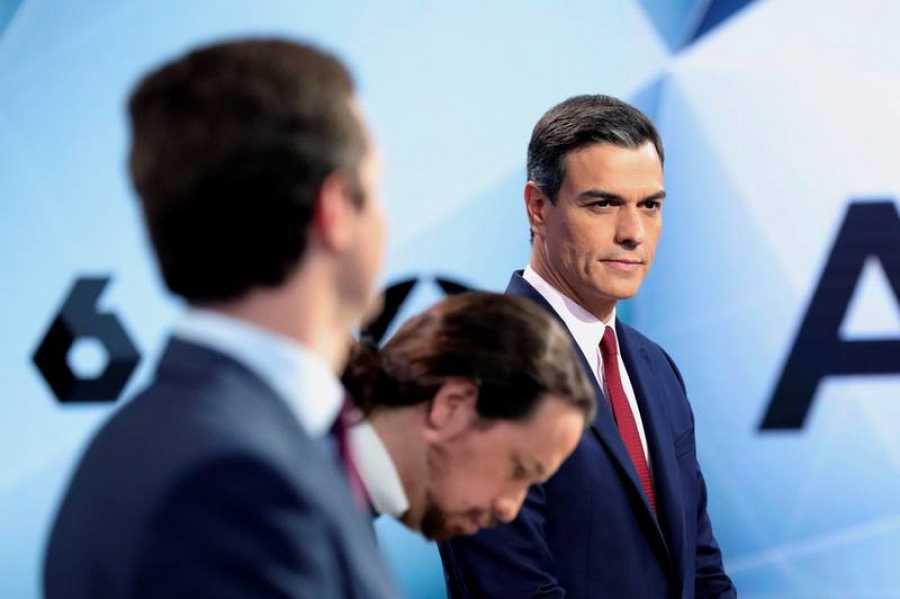 Los candidatos, antes de empezar el segundo debate a cuatro de esta campaña electoral.
