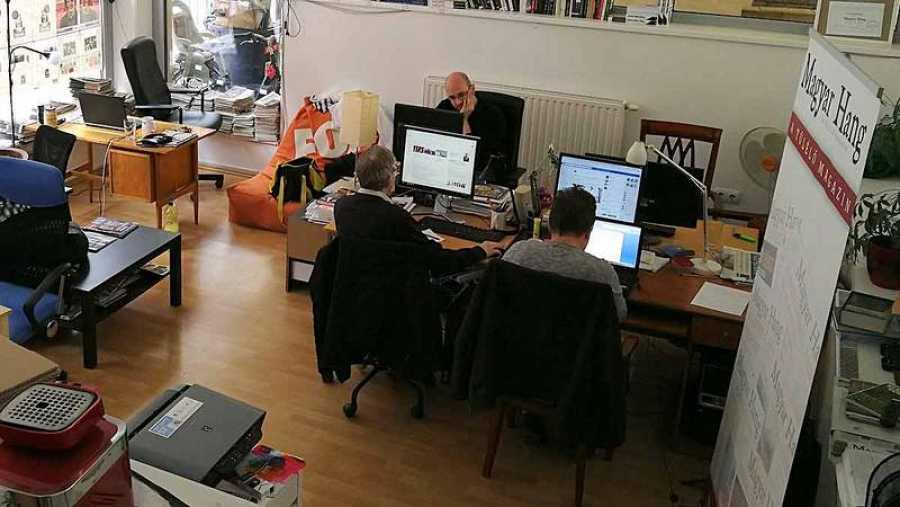 Redacción del periódico independiene húngaro 'Magyar Hang'