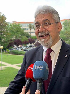 El economista portugués César Neves.