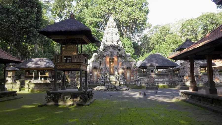 'Españoles en el mundo' descubre Indonesia