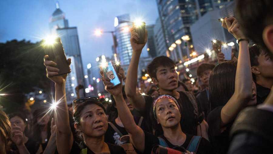 Los manifestantes piden la retirada definitiva del proyecto de ley de extradición