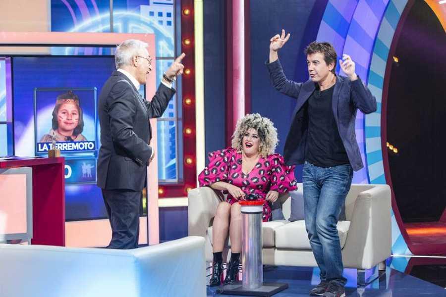 Javier Veiga y la Terremoto de Alcorcón junto a Javier Sardá en 'Juego de niños'