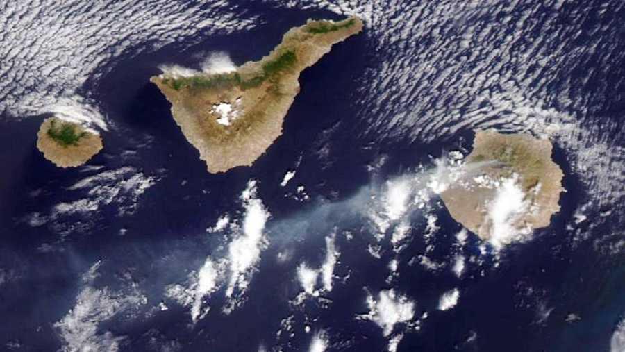 Vista del incendio de Gran Canaria desde el satélite Terra de la NASA