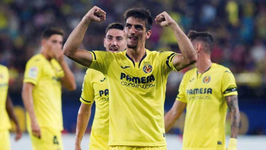 Gerard Moreno (c) celebra su gol