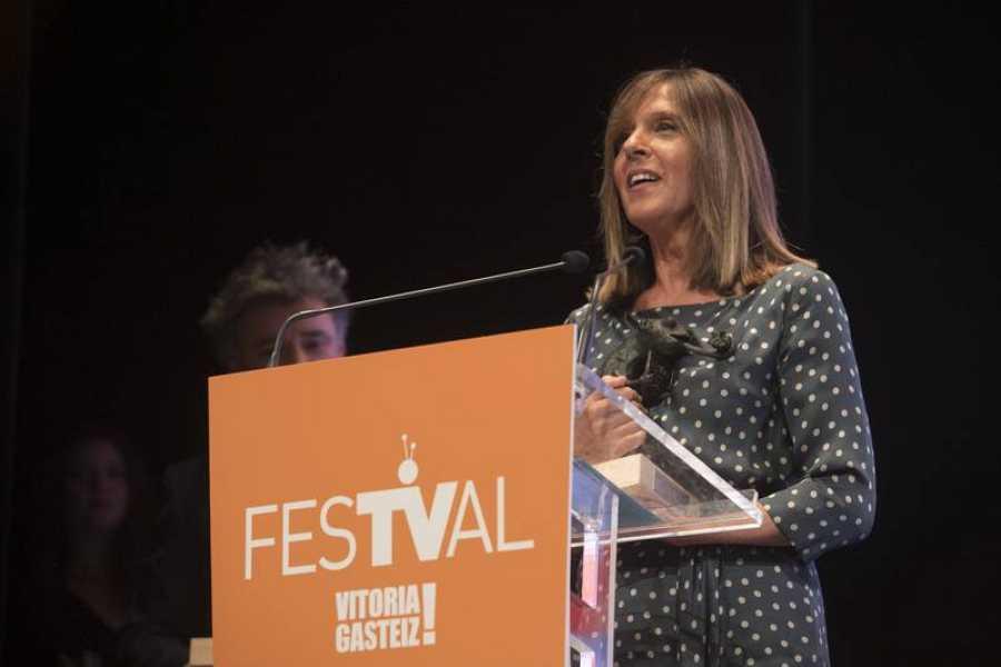 Ana Blanco recoge su premio en el FesTVal