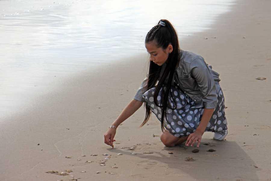 Melani en la playa de Cullera