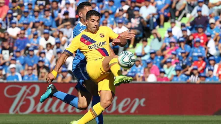 Momento en el que Suárez ejecuta la vaselina