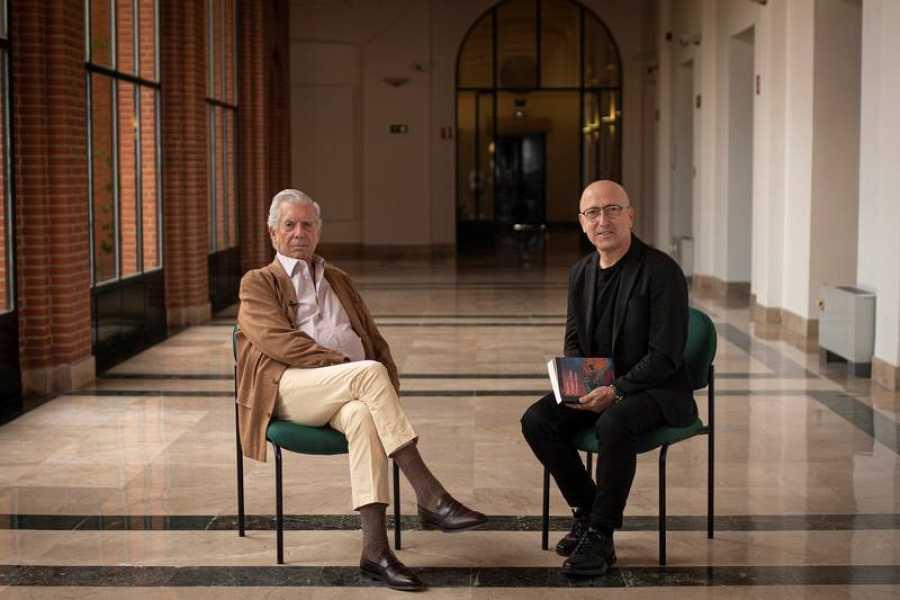 Mario Vargas Llosa y Oscar López