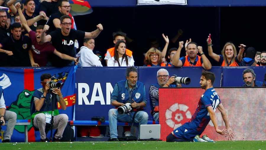 Campaña celebra el primer gol del Levante