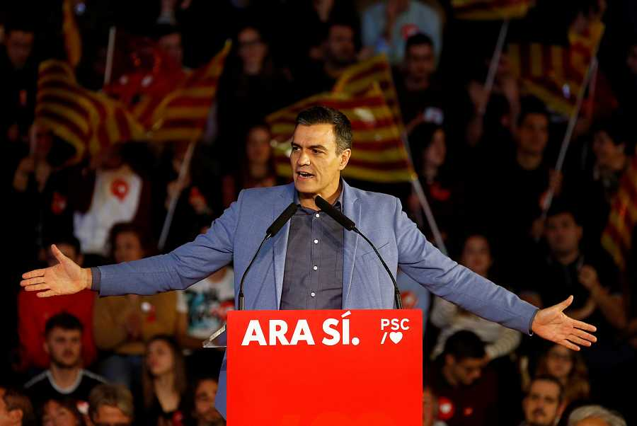 El candidato del PSOE, Pedro Sánchez, en el mitin de cierre de campaña en Barcelona.