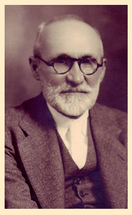 Ángel Llorca, maestro y pedagogo