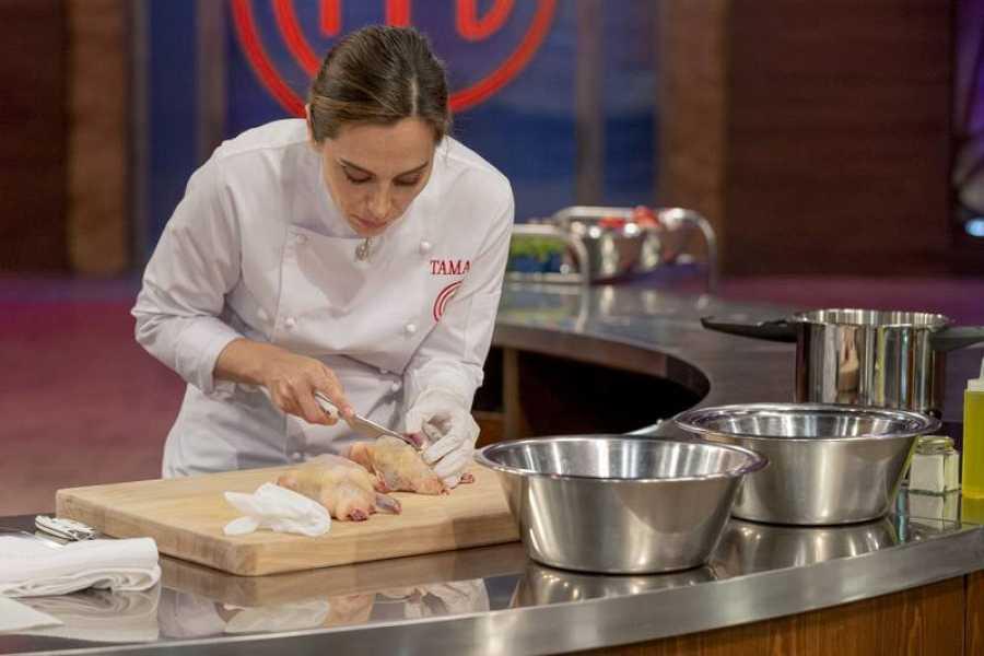 Tamara cocinando en la final de 'MasterChef Celebrity 4'