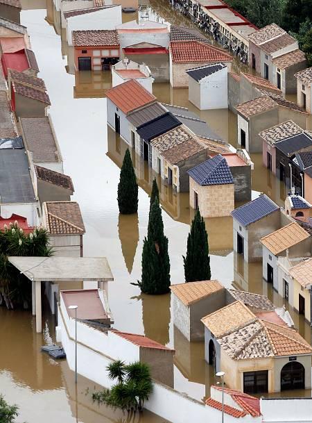 Dolores (Alicante) inundadoa causa del desbordamiento del río Segura el pasado septiembre.