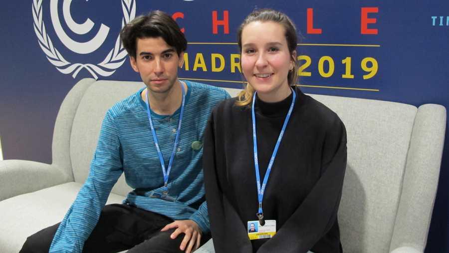 Alejandro Martínez (I) y Maider Blanco (D), miembros de 'Fridays for Future'.