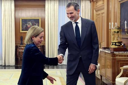 Felipe VI se reúne con la diputada de Coalición Canaria (CC), Ana Oramas, en la ronda de consultas.