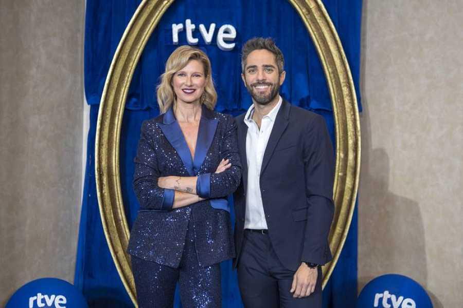 Anne Igartiburu y Roberto Leal