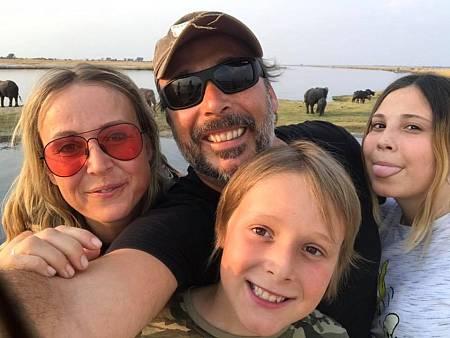 Mi familia en la mochila en tierras africacas