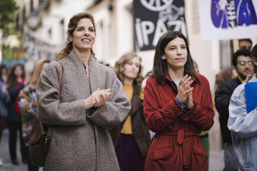 Inés acude a una manifestación contra la primera Guerra del Golfo