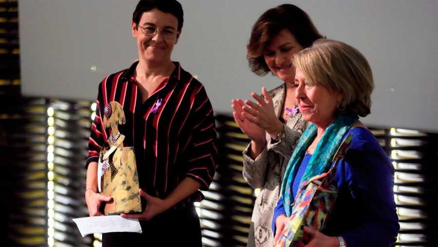 Alicia Gómez Montano recoge el premio a la lucha contra la violencia de género del Ministerio de Igualdad.