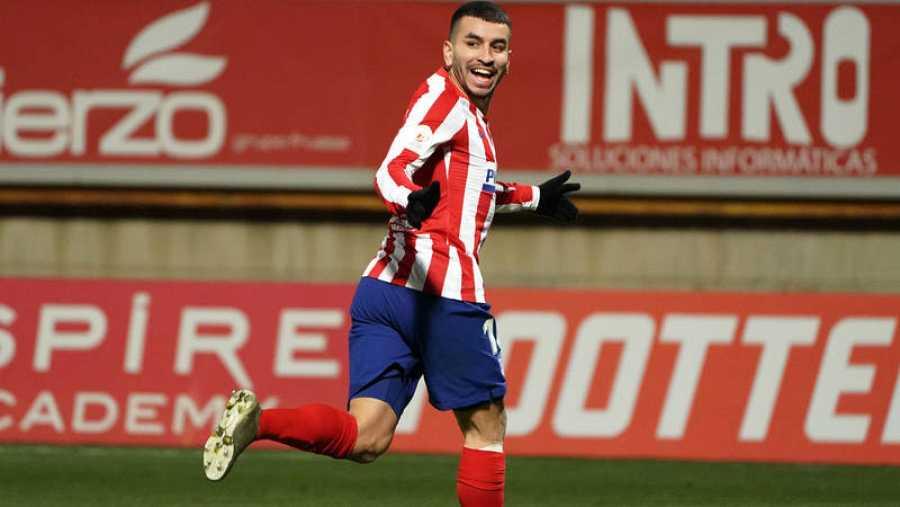 Ángel Correa celebra el 0-1 del Atlético.