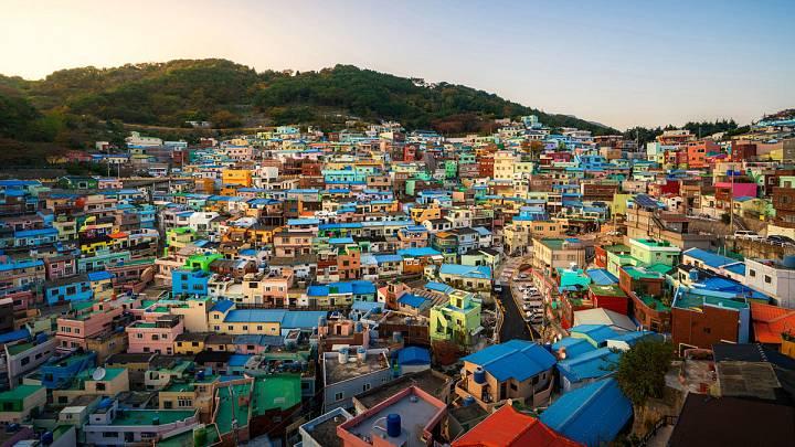 Vista panorámica del barrio de Gamcheon ubicado en la ciudad de Busan de Corea del Sur