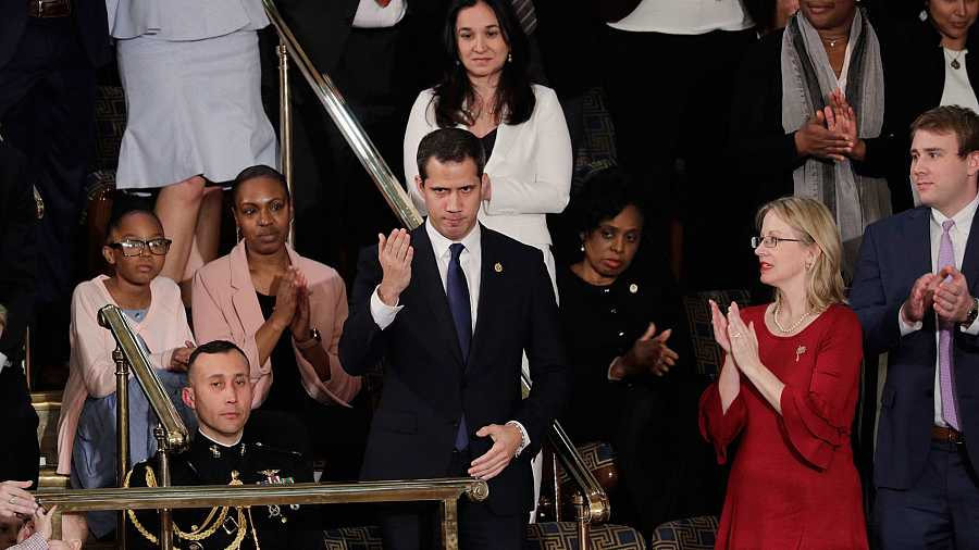 El presidente de la Asamblea Nacional de Venezuela y líder opositor de ese país, Juan Guaidó, ovacionado en el Congreso durante el discurso sobre el Estado de la Unión de Donald Trump