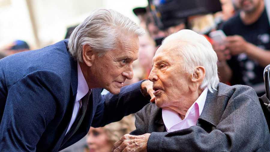 Los dos actores se dejaron ver en una ceremonia que homenajeaba a Michael con una Estrella en el Paseo de la Fama de Hollywood, en California.