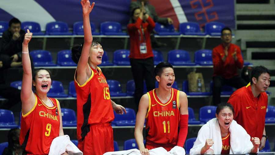 Las jugadoras chinas celebran la victoria