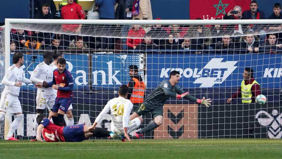 Unai García remata para abrir el marcador frente al Real Madrid